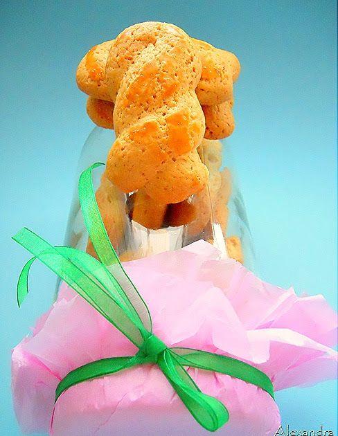 ….ο φούρνος θα τα ψήσει το σπίτι θα μυρίσει!!!! Υλικά 1 πακέτο ΒΙΤΑΜ 1 1/2 κούπας ζάχαρη 3 αβγά και 1 ασπράδι 3 βανίλιες 4 κούπες αλεύ...