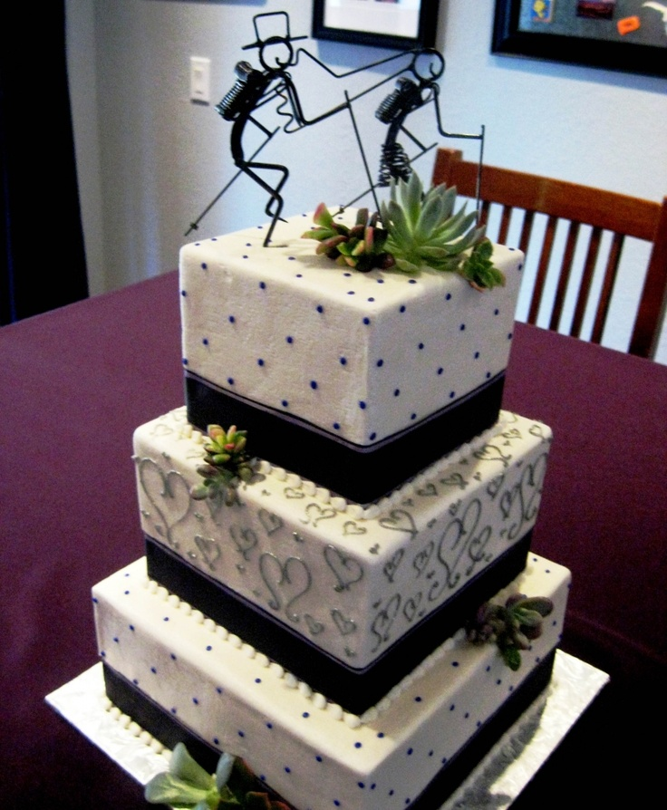 Hiking Cake: Wire Hiking Couple Wedding Cake Topper