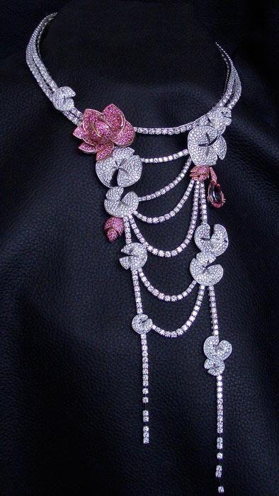 Lotus flower necklace | Cécile Arnaud - Jewellery - Paris