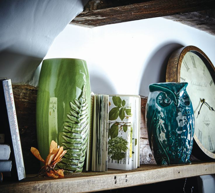 Bring a touch of the outdoors into your home with this fern leaf vase and owl ornament #mistymoors #home dec #homeware