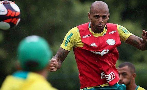 Felipe Melo ataca dirigente do Flamengo: 'É um ótimo piadista'