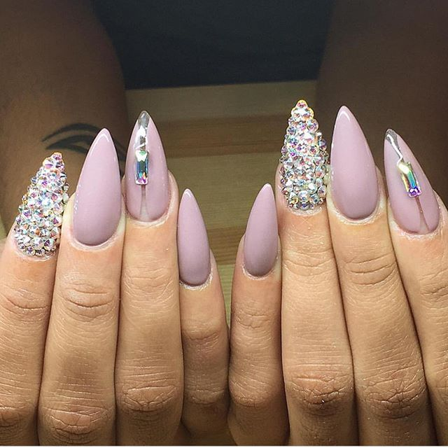 Pro Nail Designs: 944 Best Ovel & Stiletto Nails Images On Pinterest