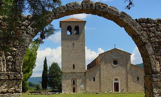 Was die Region Molise für einen Urlaub in Italien anzubieten hat. Reiseziele, Sehenswertes, Highlights, Naturschutzgebiete, Strände und regionale Küche. http://www.italien-inseln.de/italia/molise/urlaub.html