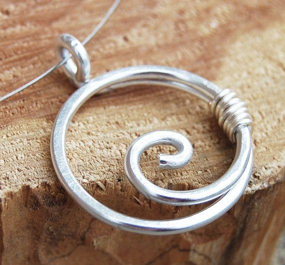 Colar espiral, círculo, minimalista, jóias de alumínio, prata, jóias com arame …   – Hairstyle