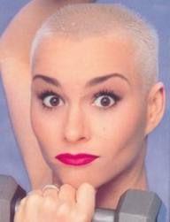 Coole Buzz Cut Frisuren für die moderne Frau.