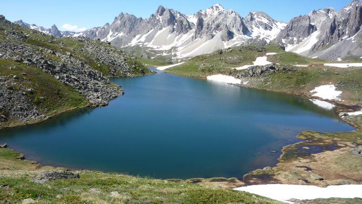 Le lac rond dans la vallée de la Clarée.