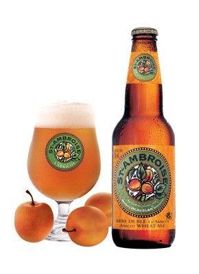 Cerveja St. Ambroise Apricot Wheat Ale, estilo Fruit Beer, produzida por McAuslan Brewing, Canadá. 5% ABV de álcool.