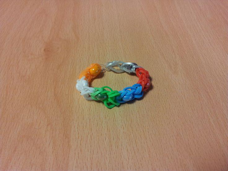 Bracelet élastique avec perles de Léna