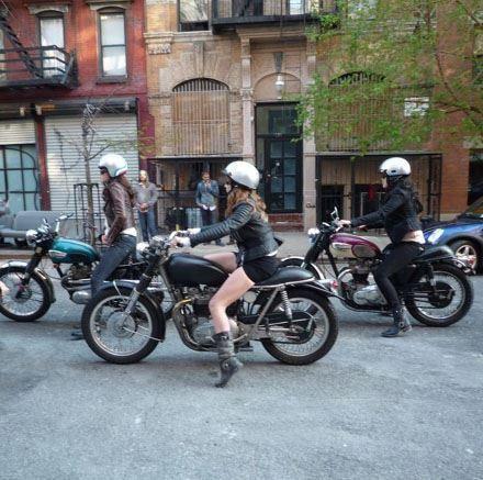 Love see womens riding!  Source: Kult Of Kustom