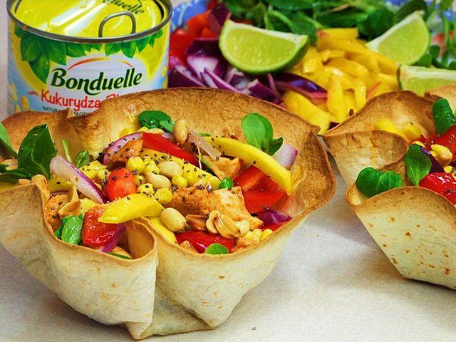 sałatka,mango,kurczak,tortille,sałatka w miseczkach,salad,nalato,lekkasałatka,