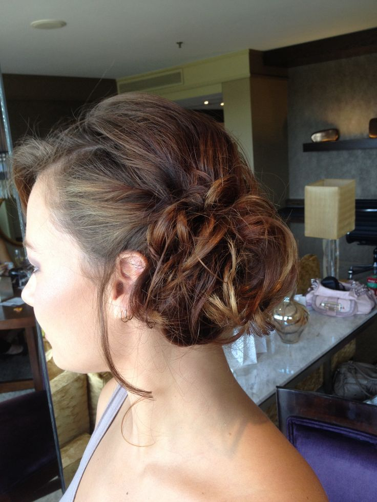 Bridesmaids wedding hair ideas by Sparkling Belle