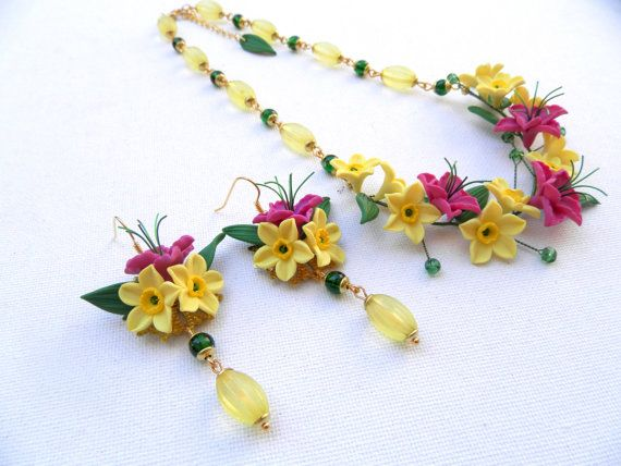 Yellow narcissus   Yellow jewelry  Flower necklace by insoujewelry, $64.00