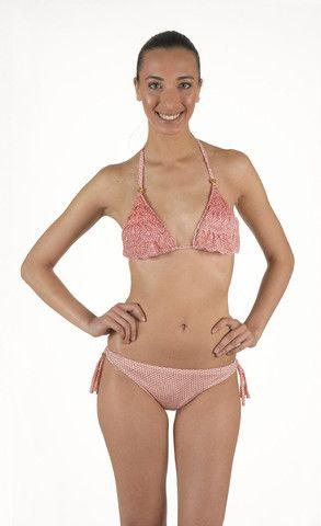 Bikini in Lycra a triangolo  con base scorrevole   balze in pizzo in microfantasia   slip taglio brasiliano  laccetti regolabili