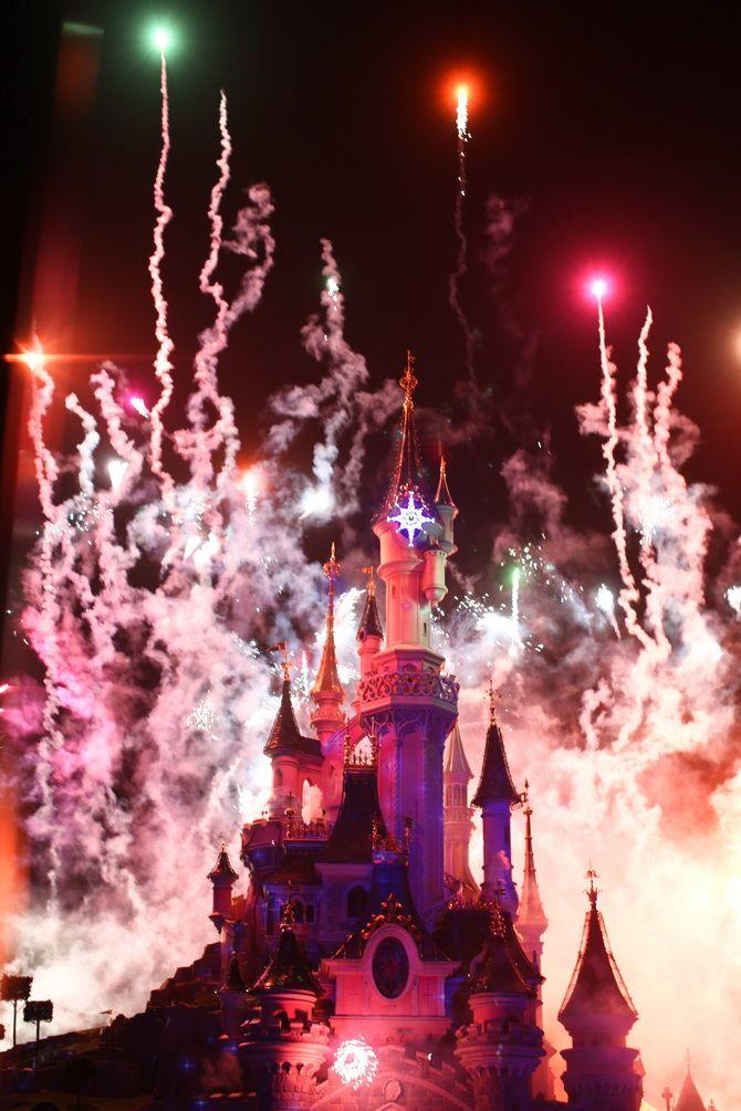 The Cherry Blossom Girl - Chistmas Disneyland paris 03
