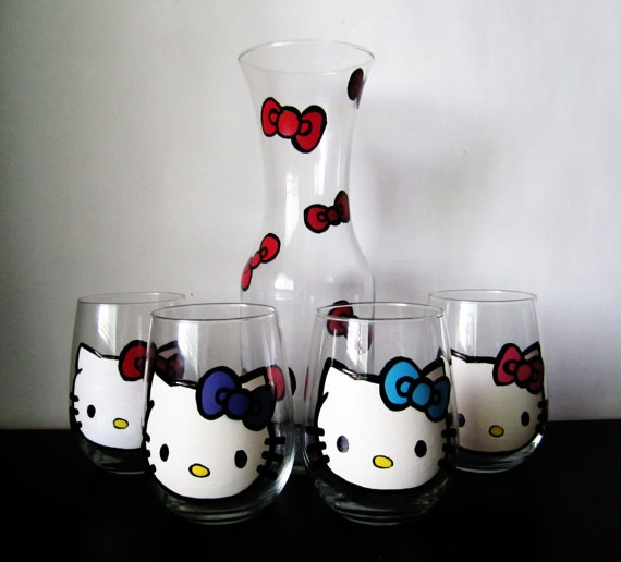 hello kitty stemless wine set - 4 wine glasses - 1 decanter A GIRL MUST HAVE!!