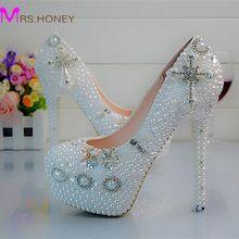 Zapatos cristalinos de la boda cruz Rhinestone del vestido nupcial zapatos plataforma blanco perla zapatos de fiesta de cumpleaños fiesta bombas de gran tamaño 45(China (Mainland))