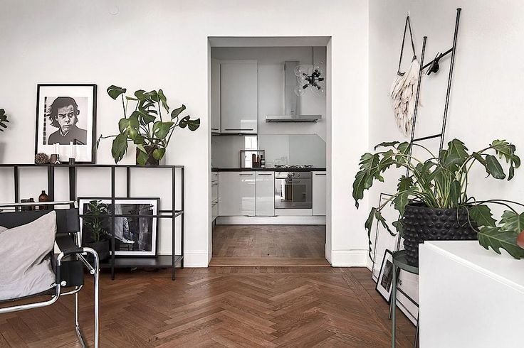 Scandinavian Style | Stockholm apartment with a touch of blue 8