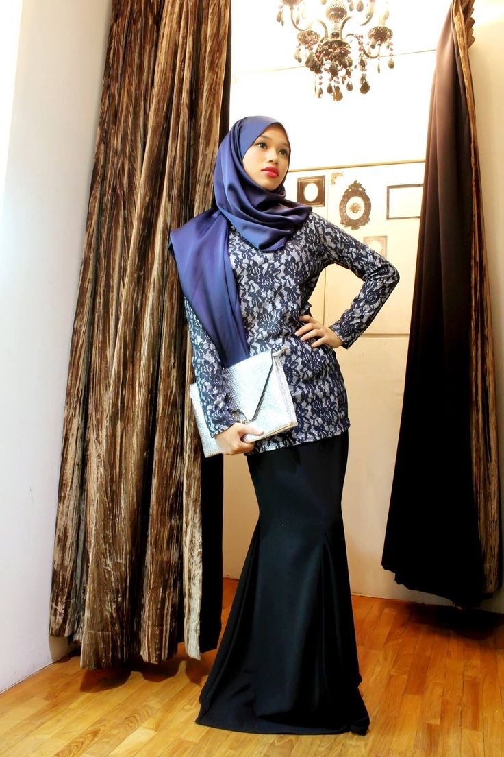 Get glamorous in the Glitter Black Look as featured in the Hijab Royale Raya Special. Own this look for only RM 288 ! The price of elegance just became affordable! All outfits featured are styled and designed exclusively for YOU! What are you waiting for? Don't miss out on this special offer! Make it yours TODAY!