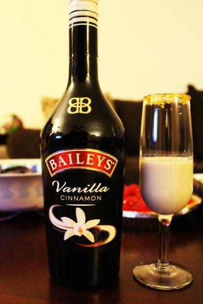 """""""Rich & Famous"""" Recipe: Baileys Vanilla Cinnamon + CIROC Amaretto"""