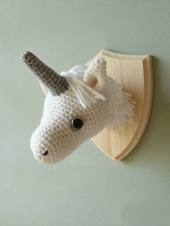 Free Crochet Unicorn Pattern - thefriendlyredfox.com   760x570