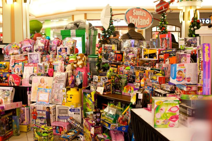 Hillcrest Toy Mountain 2014-12-16, 20-08-01