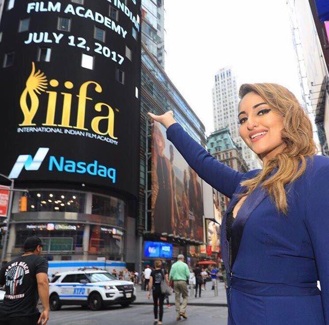 Photos: Salman, Katrina and other celebs reach NYC for IIFA Awards - Entertainment  #bollywoodactors #middaybollywood #bollywoodmovies #bollywoodcelebs #bollywoodfashion #bollywoodinstant #iifa17 #sonakshisinha #bollywoodevents