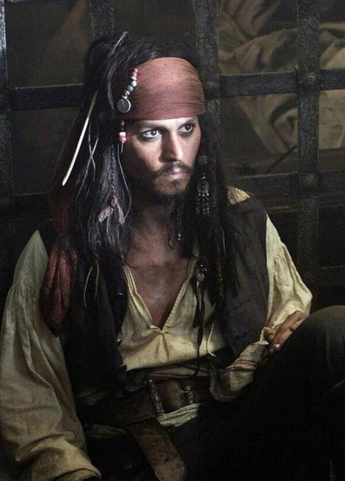 CAPTAIN JACK SPARROW ~ Pirates of the Caribbean