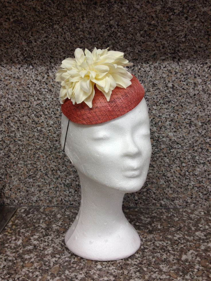 Fascinator with flower