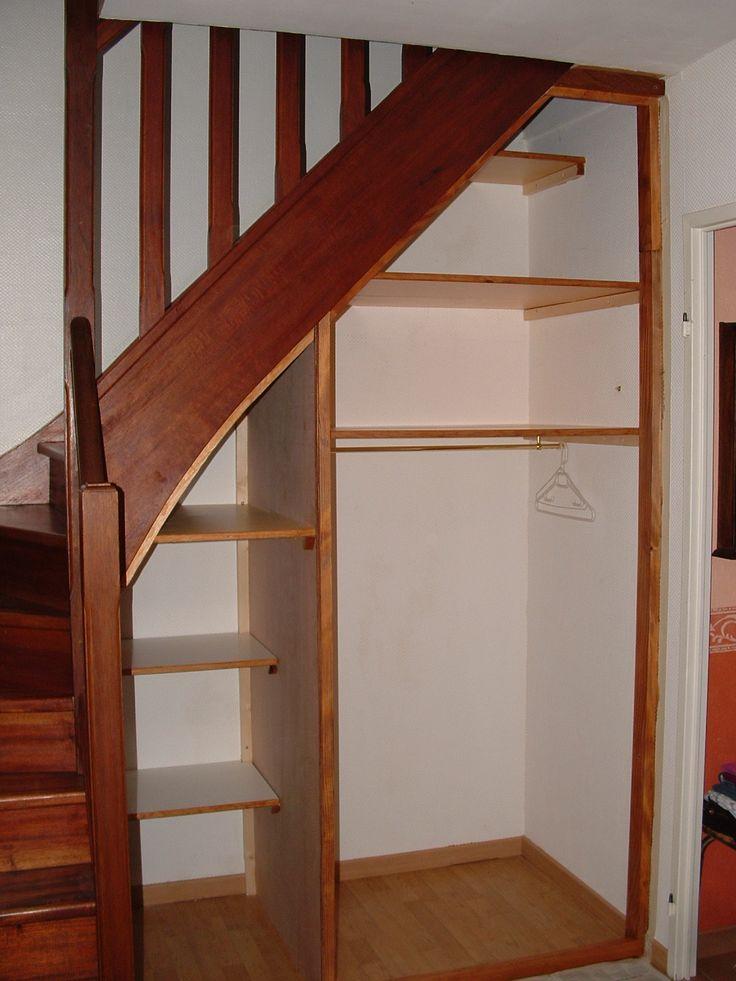 Les 25 meilleures id es de la cat gorie sous escalier sur pinterest tag re - Escalier rangement integre ...