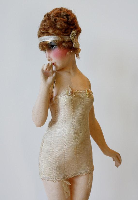 1920s Lingerie Fashion Model Mannequin......Me WANTY!!