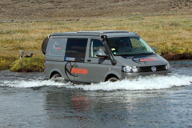 Bei Terra Camper wächst aus dem VW T5 4Motion ein echtes Multifunktionswerkzeug und voll alltagstauglliches Fernreise-Mobil.