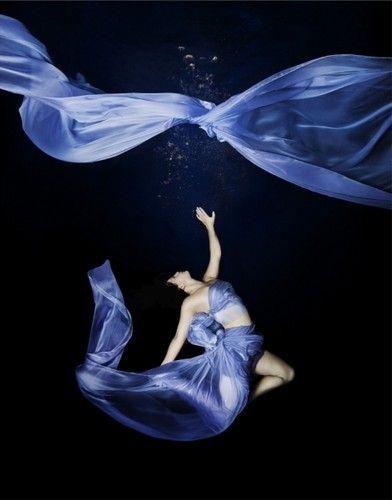 Underwater FashionHair Beautiful, Chris Mollison, Photographers Chris, Fashion Style, Photography Photos, Fashion Underwater, Nails Hair, Underwater Photography, Art Beautiful