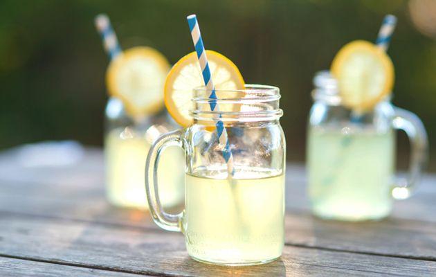 Alkoholittomat kesäjuomat sopivat arkeen ja juhlaan – 10 herkullista reseptiä