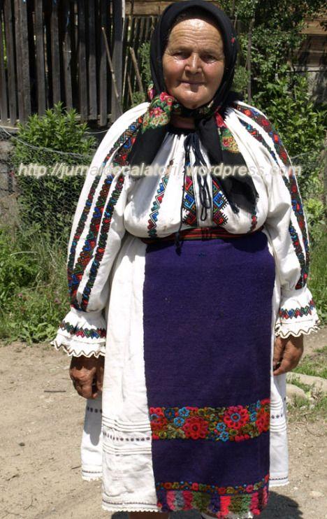 Costum autentic Maramures