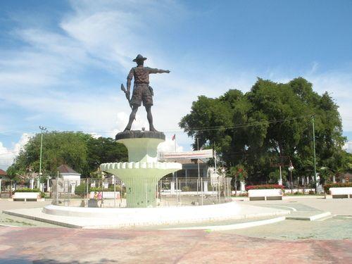 nani hero statue Wartabone #Gorontalo