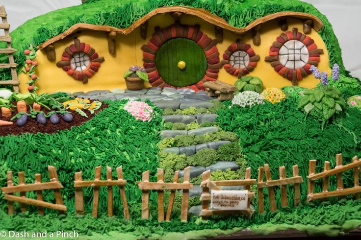 25 best ideas about hobbit cake on pinterest book cakes mushroom cupcakes and woodland cake - Lord of the rings book ends ...