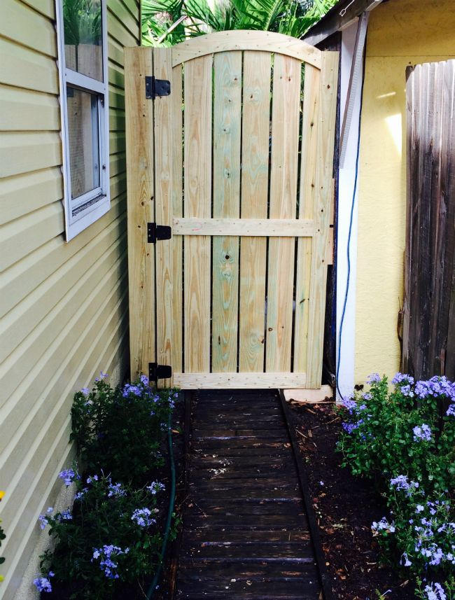 Best Fence Gate Ideas On Pinterest Gate Ideas Wooden Side - 5 backyard fence types