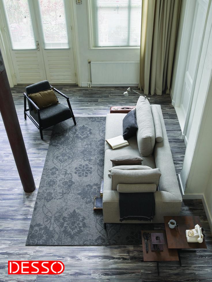 Het Patterns AA17-9513 vloerkleed van Desso past in ieder interieur. De vervaagde klassieke dessins creëren een luxe vintage look.#vintage #desso #rugs #interior #livingroom #vloerkleed #styling