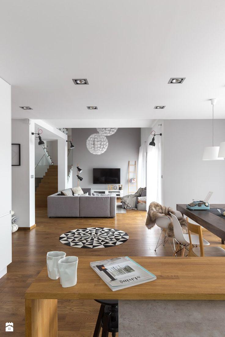 Dom w Bochni / Stabrawa.pl - Salon z kuchnią z jadalnią, styl skandynawski - zdjęcie od WWW.NIEWFORMIE.PL