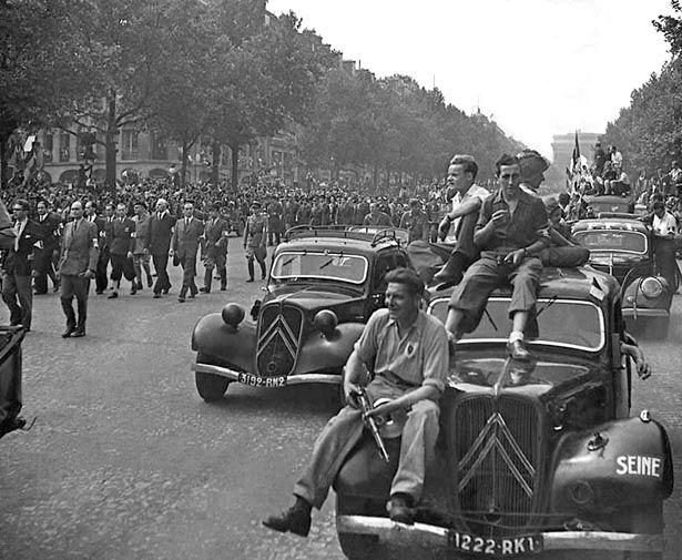 PARIS.....26 AOUT 1944.....PHOTO DE SERGE SAZO.....BING IMAGES.......