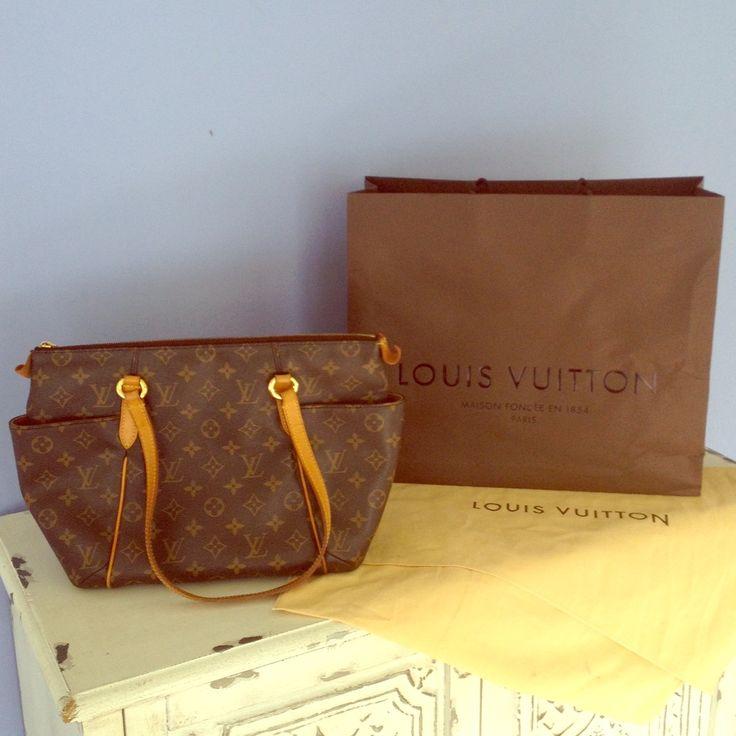 Louis Vuitton Totally
