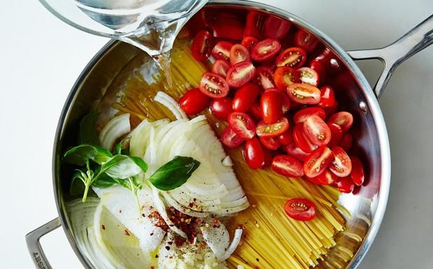 Pasta in padella in 9 minuti La ricetta «geniale» di Martha Stewart -Cucina Corriere.it
