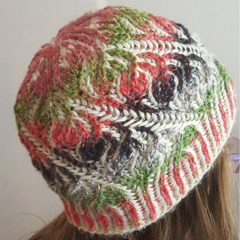 Brioche hat knitted in Noro - Janome