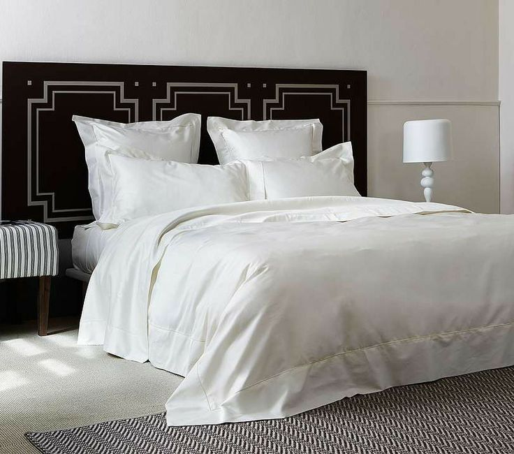 Our versatile Single Ajour Bedding Collection from Frette offers a charmingly simple, almost vintage appeal.This sublimely refined bedding seamlessly blends with a range of decors and styles.