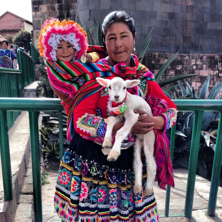 Peruvian woman in Cusco - Peru