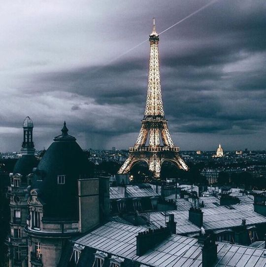 I come to Paris for the new year, I'm so happy and so impatient