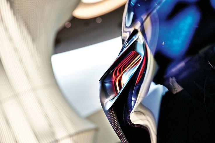 날카롭지만 감성적이고, 화려하지만 또한 절제미가 그 안에 있다. LF-LC라는 이름의 렉서스, 깔끔하게 마무리된 디테일 하나까지, 미래를 향하고 있다. | Lexus i-Magazine 다운로드 ▶ www.lexus.co.kr/magazine #Lexus #Magazine #LFLC #hybrid