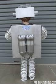 Resultado de imagen para trajes hechos de reciclaje para hombres