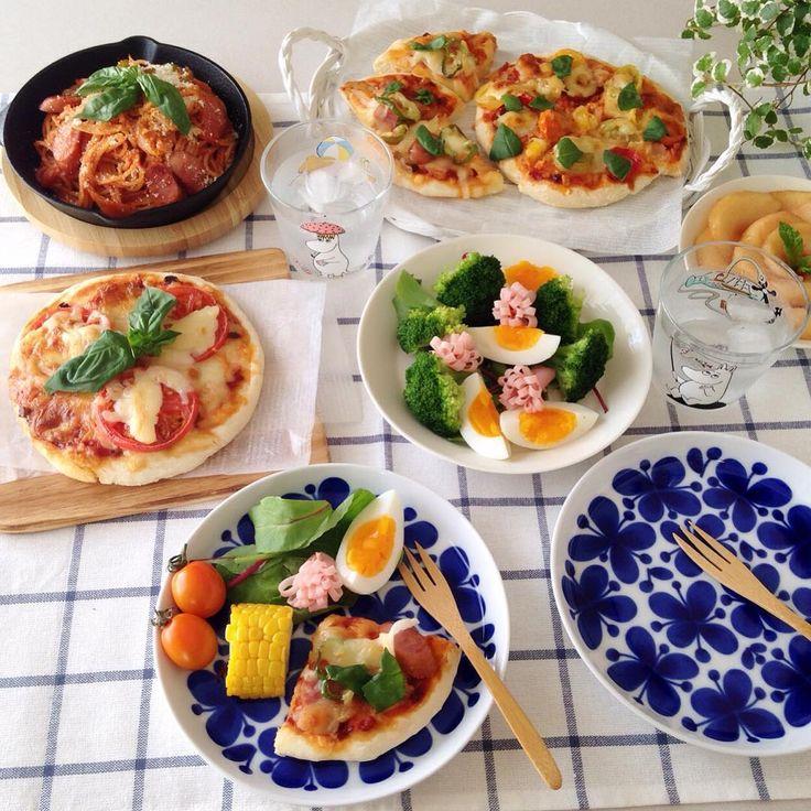 ❁ おはようございます☺︎ 今日は遅めの朝ごはん☺︎久しぶりにピザ焼きました☺︎発酵もこねこねもいらない簡単ピザ生地で(*´罒`*)ニヒヒ 美味しく出来ました♪ 皆さん楽しい週末を〜⸜( ´ ꒳ ` )⸝♡︎ コメントお休みします♡ いつもありがとうございます♡ #朝ごはん#朝食#あさごはん#朝ごぱん#朝ごパン#ピザ#🍕#ナポリタン#デリスタグラマー#モナミ#ムーミン#イッタラ#ティーマ#北欧食器#スキレット#ニトスキ#instapic#instafood#foodpic#food#yummyfood#breakfast#morning#kurashiru#moomin#iittala#teema#homecafe#pizza#deliciousfood