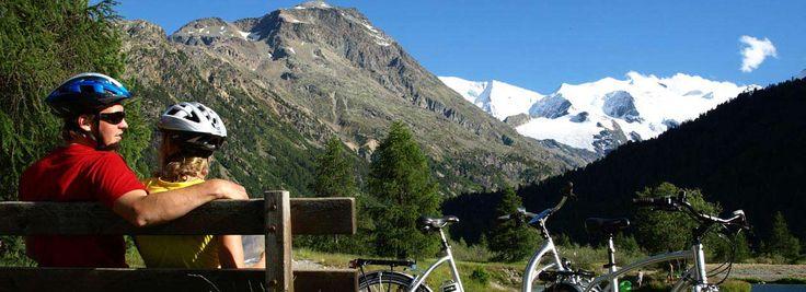 Mayrhofen alleen leuk om te skiën? Welnee! Je kunt er ook heel goed fietsen, tennissen, wandelen én raften! #travel by #inspiration